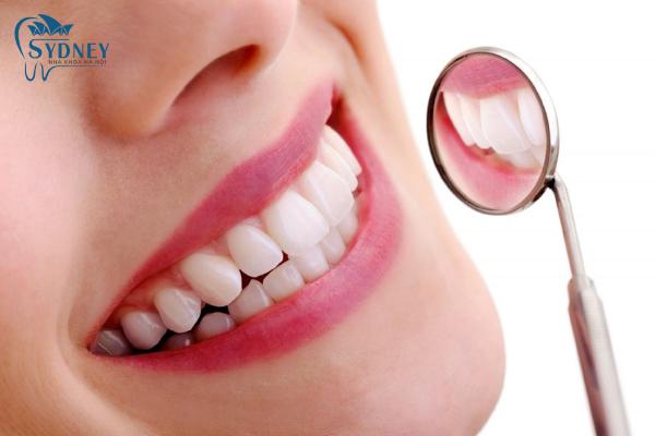 Làm răng sứ giúp tăng thêm tính thẩm mỹ