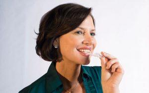 Sự thoải mái của niềng răng Invisalign